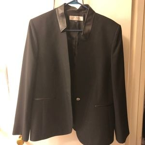 Women's Tahari Suit Jacket & Pants, Size 16